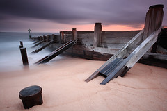 Seaton Sluice Harbour Entrance (Alistair Bennett) Tags: longexposure seascape sunrise coast harbour northumberland groyne seatonsluice nd12 canonefs1022 gnd06he