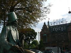 Andersen y el Tivoli (quicojsm) Tags: viaje viajes copenhage escandinavia