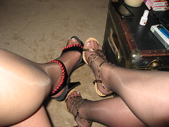 Jamie & her sexy GF's legs!
