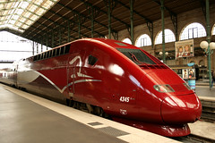 Gare du Nord - Paris (France) (Meteorry) Tags: red paris france station train rouge europe gare ns transport platform db garedunord tgv voie sncf thalys nmbs meteorry sncb newlivery pbka nshispeed