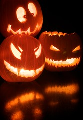 Halloween-Explore (vipspips) Tags: red orange black reflection halloween pumpkin scary faces tripod explore gresskar speiling explored skummel twphch twphch026 jackolandern