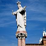 Cuenca: Escultura de la Virgen de La Merced, El Vecino