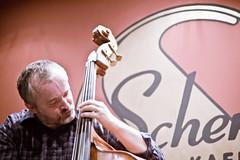 Robert Ragan (Drakh) Tags: live jazz violin doublebass cymbalom ethno pacoratrio cafescherz