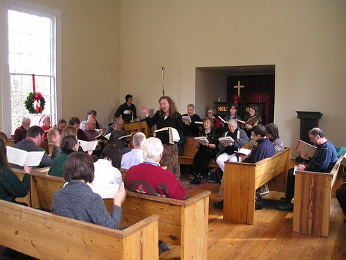 11:09 AM: The class before lunch, Old St. John's Christian Harmony Singing, Ru'f'ton, NC, December 12, 2009