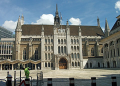London Guildhall (Dun.can) Tags: city blue sky london architecture clouds gothic medieval corporation stlawrence cityoflondon guildhall ec2 15thcentury stlawrencejewry 1441 greshamstreet cityoflondoncorporation