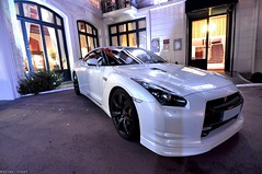 White Nissan GTR (Maxime Jouet / El-Astic) Tags: white black car japan night hotel nikon nissan nightshot angle wide fast grand voiture 24 12 uga nikkor rims maxime supercar f4 jouet dinard gtr elastic japaneese d90