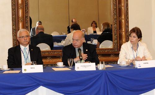 Secretario General de la OEA dialogó con organizaciones del Sistema Interamericano