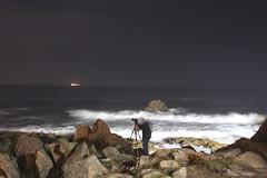 (António Sardinha) Tags: amigos praia portugal mar porto noite fantasma matosinhos leçadapalmeira boanova rochas
