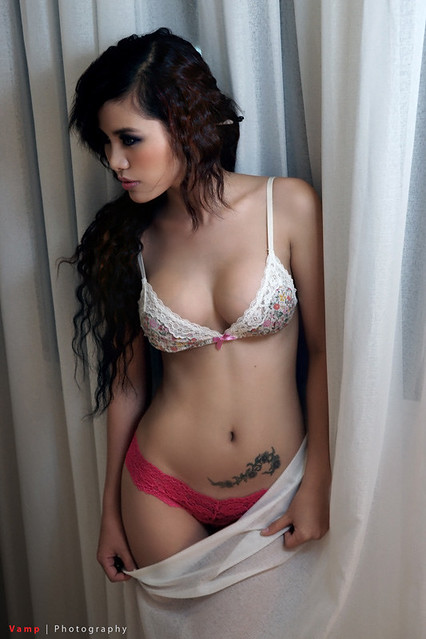 I love chicks with glasses definitely with nice titties 7