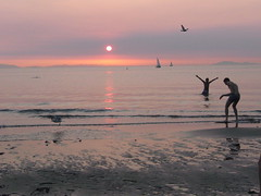 'till the end of the day (Pierre♪ à ♪VanCouver) Tags: sunset pordosol vancouver tramonto wreckbeach coucherdesoleil puestadelsol clothingoptional yuyake sofarsocute