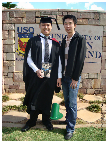 My Boi's USQ Graduation Ceremony '09: USQ Main Gate
