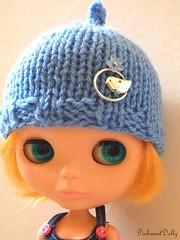 Tuittt! Tuittt! blue helmet with a little sparrow