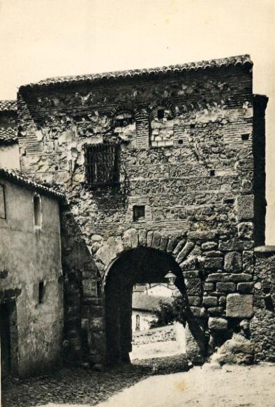 Puerta de Valmardón de Toledo a inicios del siglo XX.