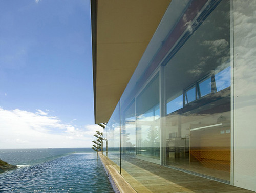 Luxury Beach House, Glass House