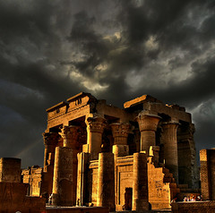 Temple of Kom Ombo (rinogas) Tags: clouds nikon nuvole egypt hdr egitto tempel komombo tempio rinogas