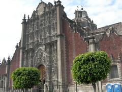 Mexico City, Mexico (Peter Musolino) Tags: mexicocity mexico zocalo mexicocitymetropolitancathedral catedralmetropolitanadelaasuncióndelasantísimavirgenmaríaaloscielos centrohistóricodelaciudaddeméxico zócalo