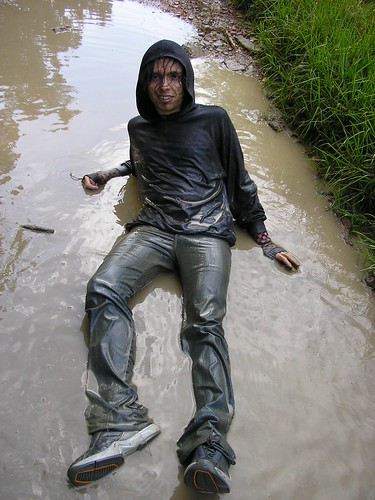 ragazzi gay dotados wet mud gay party boys