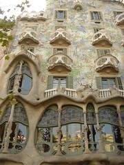 Gaudi's Casa Batll (Jules M78) Tags: barcelona gaudi casabatll