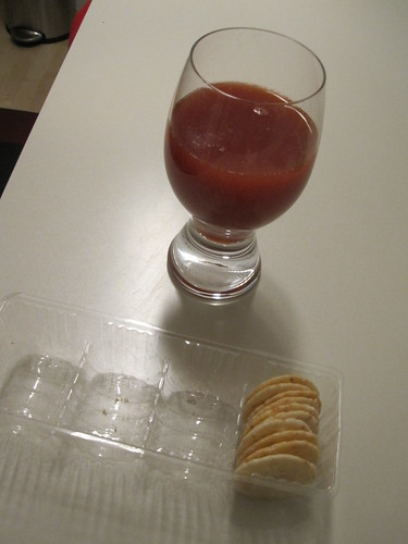 tomato juice with crackers