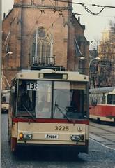Brno koda 14Tr trolleybus, 3225. Feb 1992 (sludgegulper) Tags: republic czech linie route 1992 feb czechoslovakia trolleybus skoda 138 linka obus