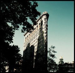 5th.1 (adrian v.) Tags: sky usa newyork building tree flat manhattan avenue flatironbuilding fifth flatbuilding anawesomeshot