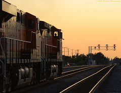 Feeling the Westbound Wind (El Roco Photography) Tags: california railroad sunset santafe station train canon rail trains socal transportation locomotive orangecounty ge fullerton bnsf railroads digest freighttrain emd atsf burlingtonnorthernsantafe fullertoncalifornia es44dc canonef100400mmf4556lisusm alltrains stacktrain bnsfrailroad burlingtonnorthernsantaferailroad movingtrains elrocophotography
