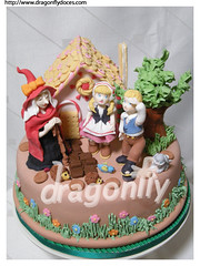 Hansel and Gretel Cake / Bolo Joo e Maria (Dragonfly Doces) Tags: cake fairytale children witch fantasy infantil fantasia sweets bolo crianas doces bruxa hanselandgretel contosdefada jooemaria pastaamericana