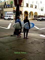 Surfistas camino de la playa. Venice. Los Ángeles