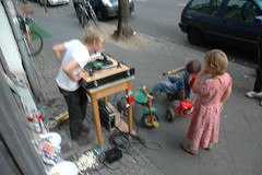 "kids concert • <a style=""font-size:0.8em;"" href=""http://www.flickr.com/photos/31503961@N02/3962445654/"" target=""_blank"">View on Flickr</a>"