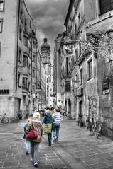 Seilergasse @ Innsbruck Austria (Toni_V) Tags: bw austria tirol blackwhite österreich altstadt 2009 hdr tyrol innsbruck d300 colorkey photomatix stadtturm 2028 hdrsingleraw selectivecolors capturenx toniv mywinners anawesomeshot dsc4052 seilergasse theperfectphotographer 091010 gasthofgoldenerhirsch