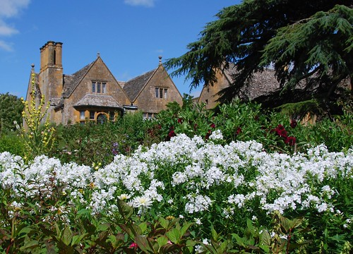 hidcote gardens, the cotswolds