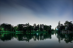 Lac Daumesnil by night (Paris/Vincennes) (Marc Benslahdine) Tags: longexposure paris nuit vincennes anto lightroom pleinelune xiii longexp longexposition poselongue lacdaumesnil tamronspaf1750mmf28xrdiii canoneos50d baladeparisienne marcopix iledereuilly tripax marcbenslahdine wwwmarcopixcom wwwfacebookcommarcopix marcopixcom