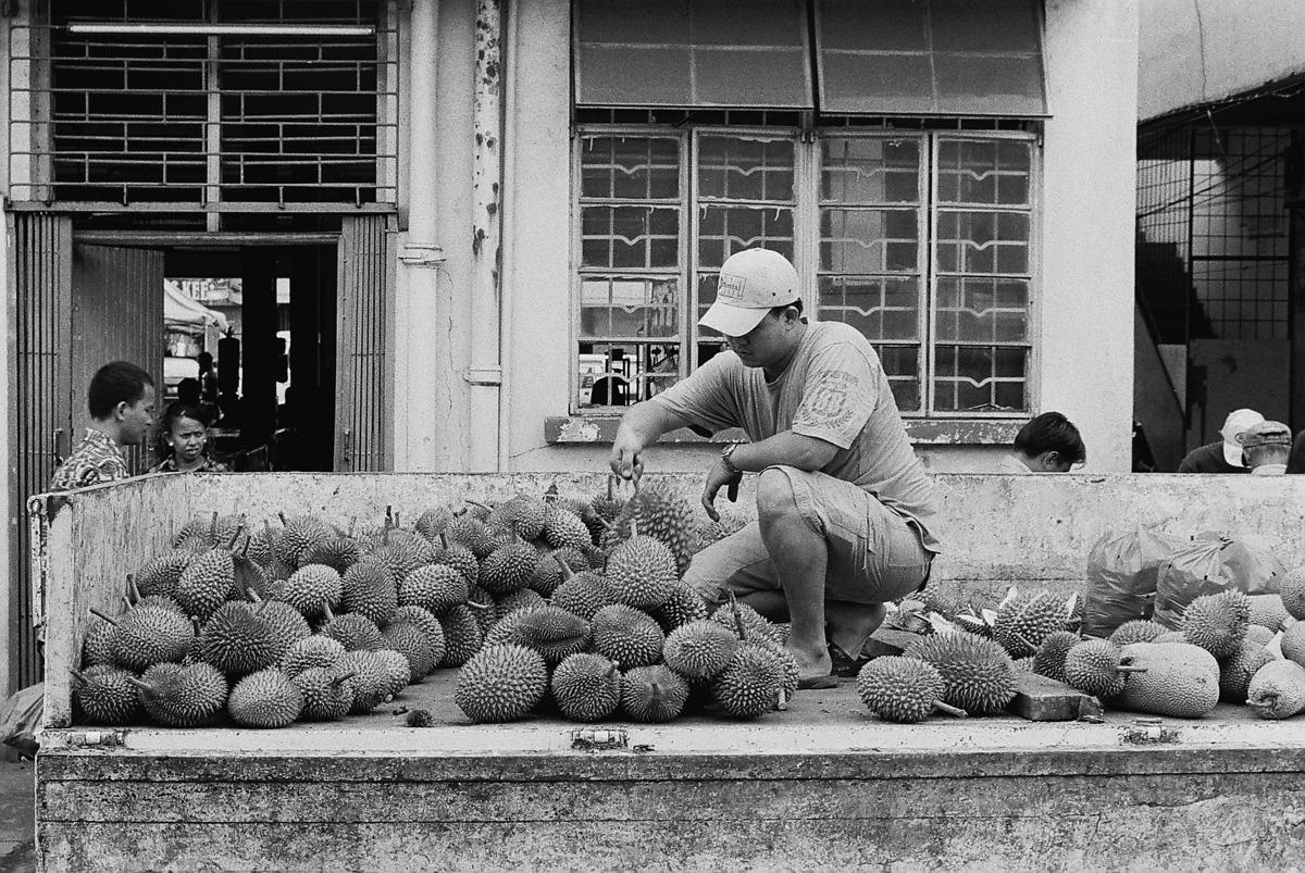 刚从台湾回来不久的水果贩