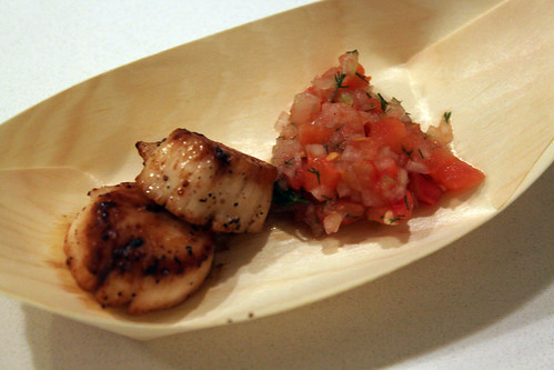 sea scallops with tomato-shallot relish