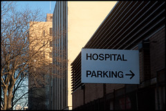 Parking > (Andy Marfia) Tags: chicago hospital iso200 parking guesswherechicago f8 edgewater allrightsreserved chicagoguessed d90 1250sec edgewatermedicalcenter andymarfia 1685mm aurousprolessguessed