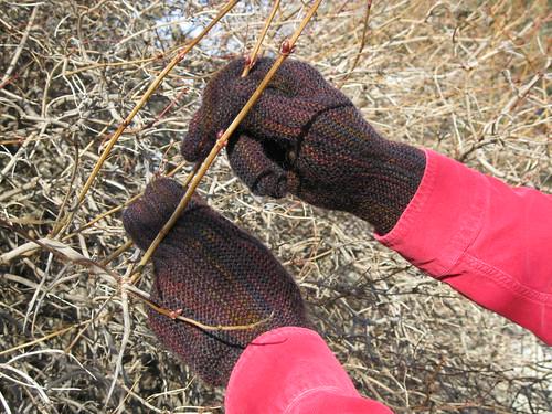 knitting:  gloves