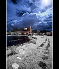 Masjid DQ (Infra Red Photography) (AnNamir c[_]) Tags: landscape ir nikon flickr d70 mosque flare infrared 11mm dq masjid outing happynewyear 2010 tasik waja mesjid 1431 wow1 wow2 wow3 wow4 jakim kualakubu wow6 wow5 selamattahunbaru kkb mywinners ampangpecah annamir darulquran masjiddq tasikhuffaz dqkkb sahabatsejati muktasyaf huffazlake worldworx dqmosque newyear2010 happynewyear2010 selamattahunbaru2010