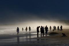 [フリー画像] [人物写真] [一般ポートレイト] [ビーチ/海辺] [霧/靄]       [フリー素材]