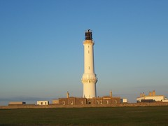 Girdle Ness Lighthouse, Aberdeen, June 2011 (allanmaciver) Tags: blue light sky lighthouse white green tower grass warning evening stevenson aberdeen 1833 girdleness allanmaciver