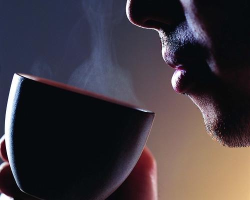 drinking-coffee-1-9votemfx62-1280x10241 / siavash mtg