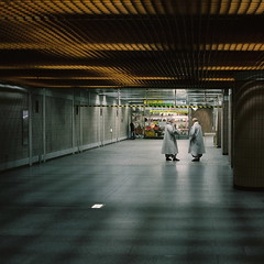 encounter* (june1777) Tags: mamiya station subway fuji buddhist n 7 monk snap h 400 seoul pro f4 67 80mm 400h mamiya7 pro400h anguk