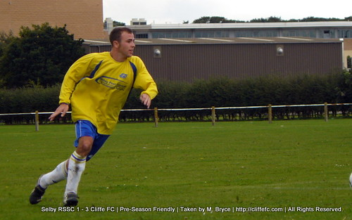 Cliffe FC vs Selby RSSC 29Aug09
