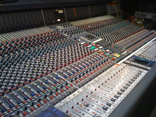 """The magical Neve V2 • <a style=""""font-size:0.8em;"""" href=""""http://www.flickr.com/photos/41636591@N07/3885877378/"""" target=""""_blank"""">View on Flickr</a>"""
