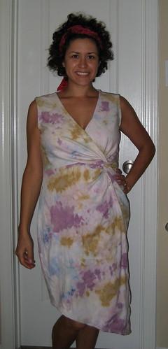 Twist dress front