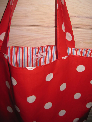 tote oilcloth dots