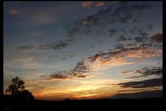 Evasion (Agns Willette (noushka7)) Tags: france nature ciel nuages paysage nuit couleur coucherdesoleil gers sudouest midipyrnes lislejourdain panasonicfz28