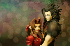 Aeris and Zack (eringarret) Tags: cloud chica dream 7 dreaming final fantasy finalfantasy figuras figures ff7 finalfantasyvii frikadas aeris figura aerith squaresoft finalfantasy7 aerisgainsborough squarenix aerithgainsborough zackfair figuresdollsjapanactionfigures