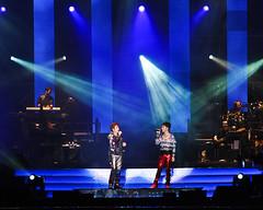 左麟右李 Concert 2009 @ Bukit Jalil (Wesley Wong @ Giclee Art) Tags: concert nikon malaysia kualalumpur 2009 d3 highiso bukitjalil hackenlee alantam 75150
