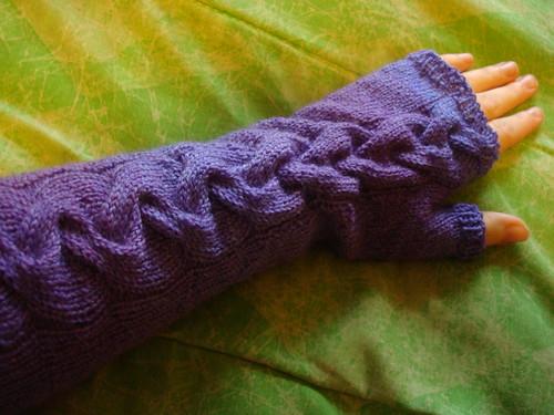 cabled arm warmer