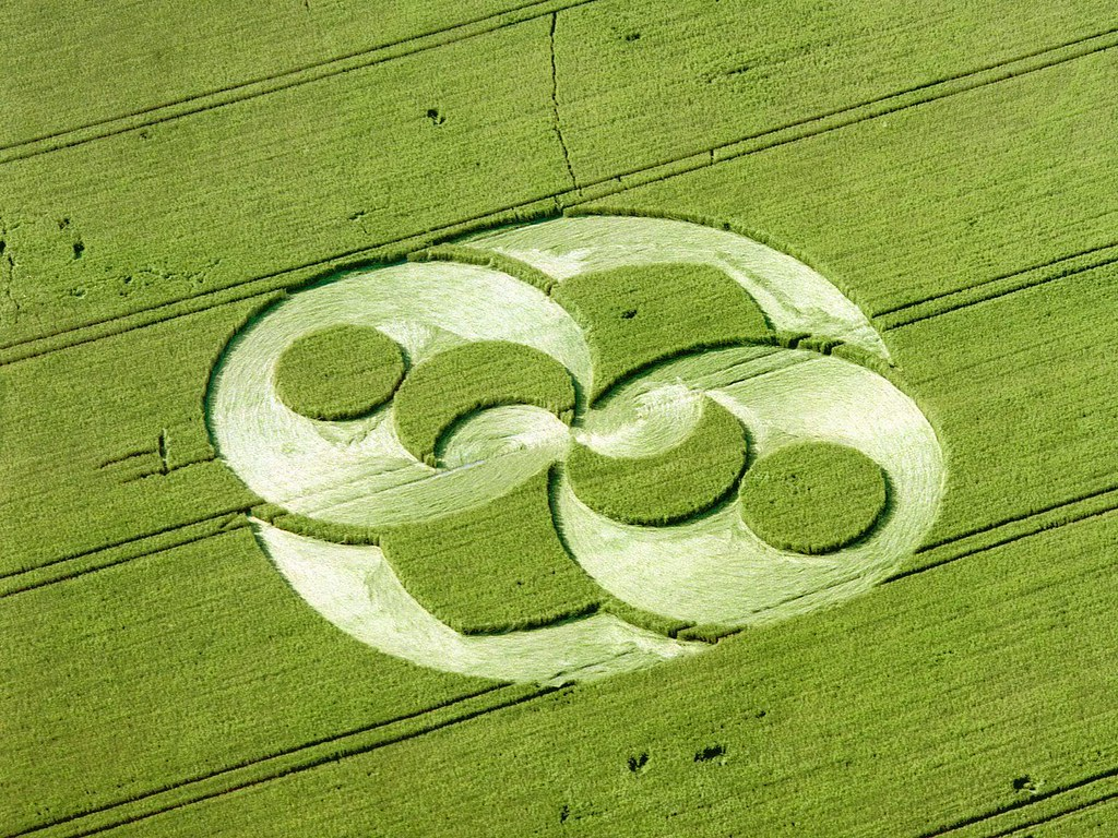 great-shape-of-crop-circle_1600x1200